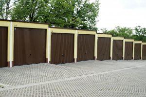 Puerta garaje vecinos