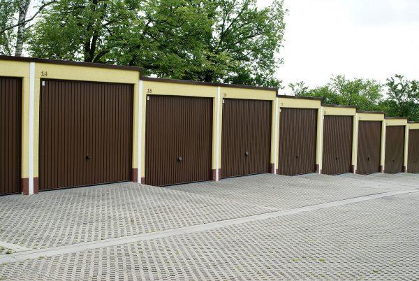 Ahorra abriendo las puertas de tus garaje y mejora la seguridad de tu comunidad.