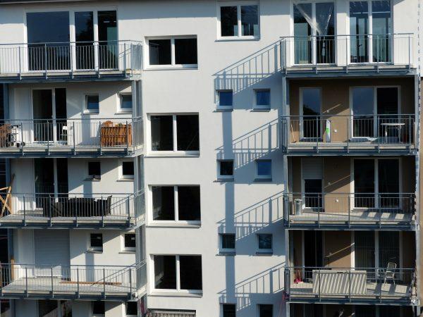 ¿Puedo prohibir los apartamentos turísticos en mi comunidad?